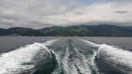 淡路島を後にして。